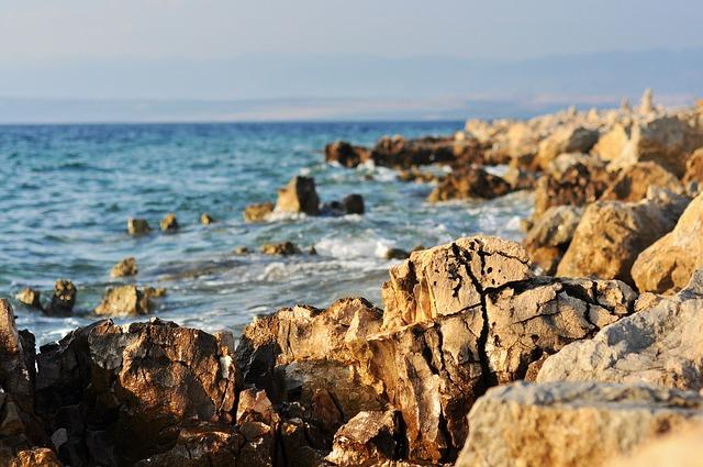 Wisata Pantai Adria Dan Cara Mencapainya